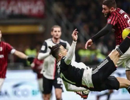 Cristiano Ronaldo rovescia il var e agguanta il Milan